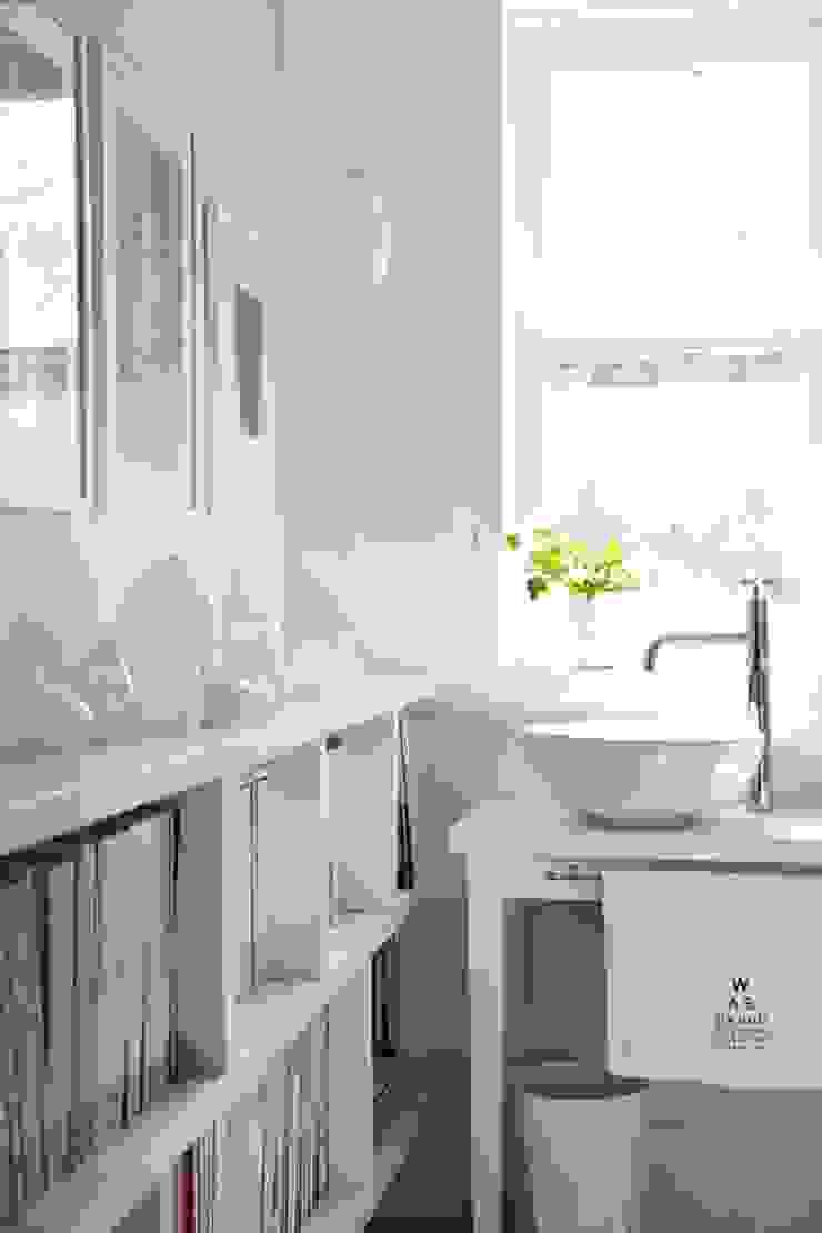 Квартира 68м.кв. г.Хельсинки Ванная комната в скандинавском стиле от Orel Andre Скандинавский