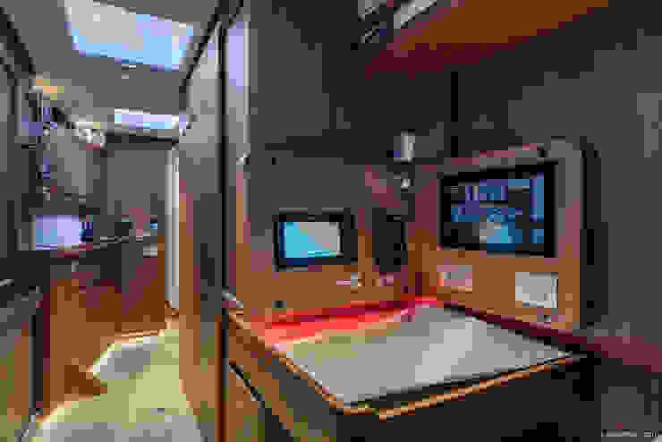 Barca Paolina Filippo Foti Foto Yacht & Jet in stile mediterraneo Legno Bianco
