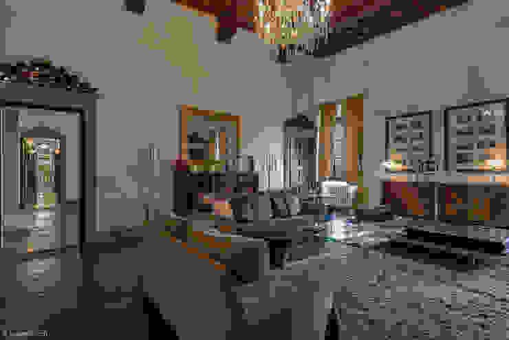 Villa Vistarenni Filippo Foti Foto Hotel in stile classico Rame / Bronzo / Ottone Bianco