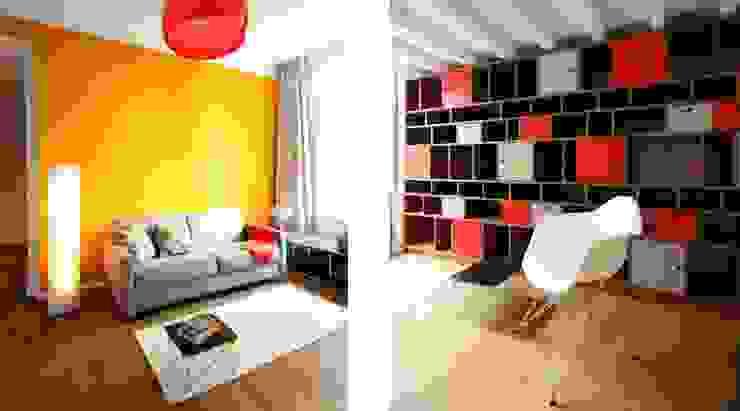 Wohnen mit Farbe – Regal unter Hochbett Ausgefallene Wohnzimmer von raumdeuter GbR Ausgefallen Holz Holznachbildung