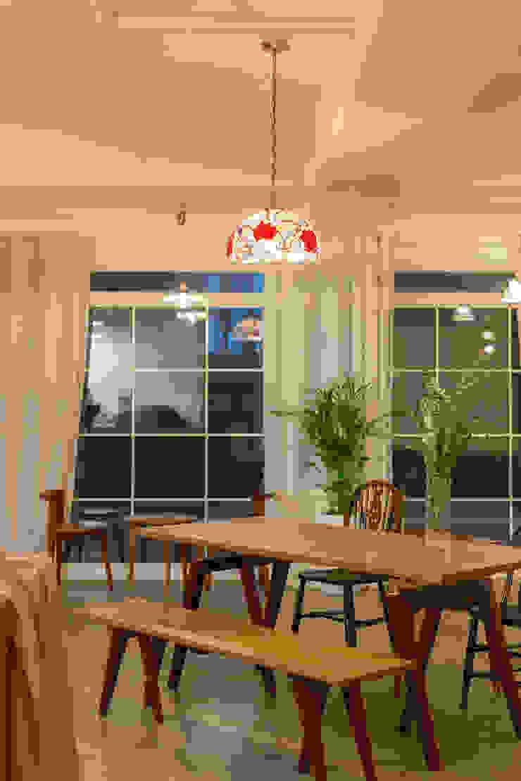 MORN TILL NIGHT (몬틸나잇) 카페 모던스타일 다이닝 룸 by 원더러스트 모던 합판