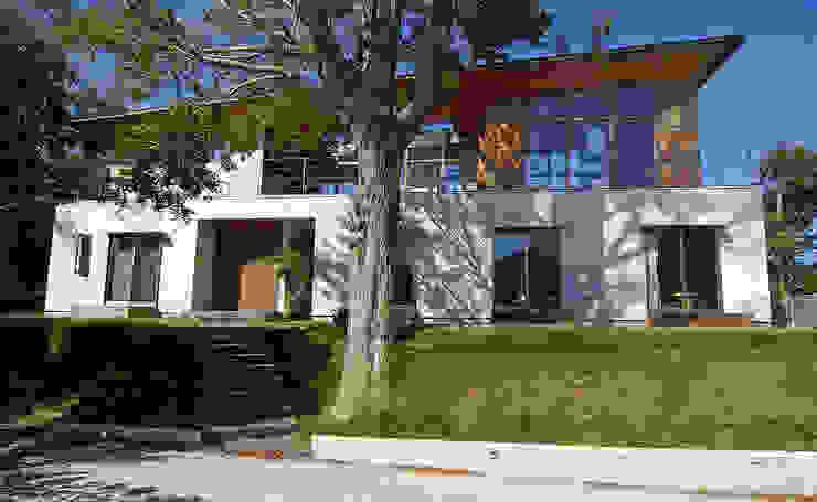 株式会社横山浩介建築設計事務所 Rumah Gaya Skandinavia