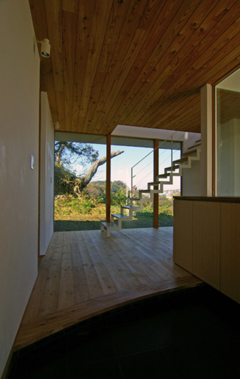 Modern houses by 株式会社横山浩介建築設計事務所 Modern