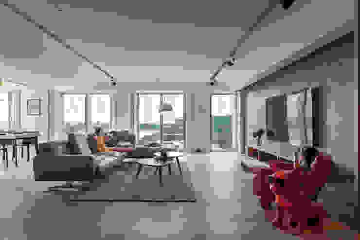 客廳 Modern Living Room by 千屹設計 Modern