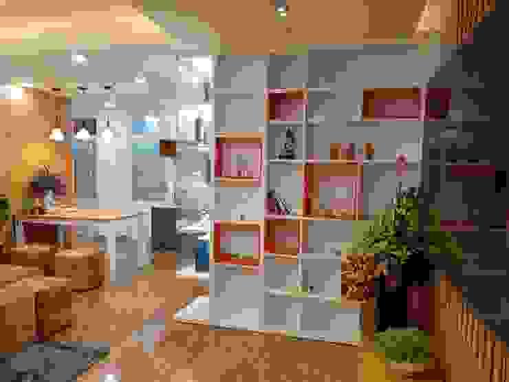 Kệ để đồ: hiện đại  by OKIA Furniture, Hiện đại