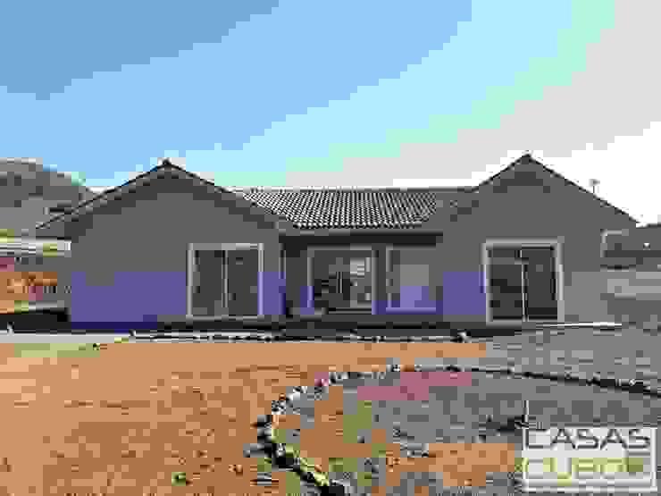 Casa Chacabuco 120m2 + 14m2 de terraza y 5m2 de terraza libre de casas cubo Clásico