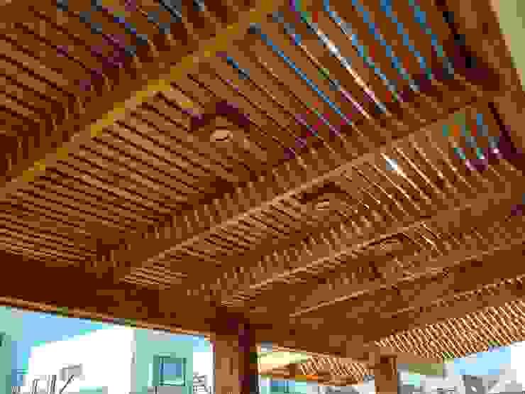 Terraza Puente Alto Balcones y terrazas rústicos de Triptico Diseño y Construcción Rústico