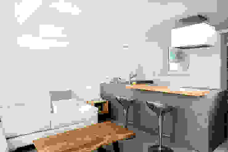 Cucina Cucina in stile mediterraneo di manuarino architettura design comunicazione Mediterraneo Piastrelle