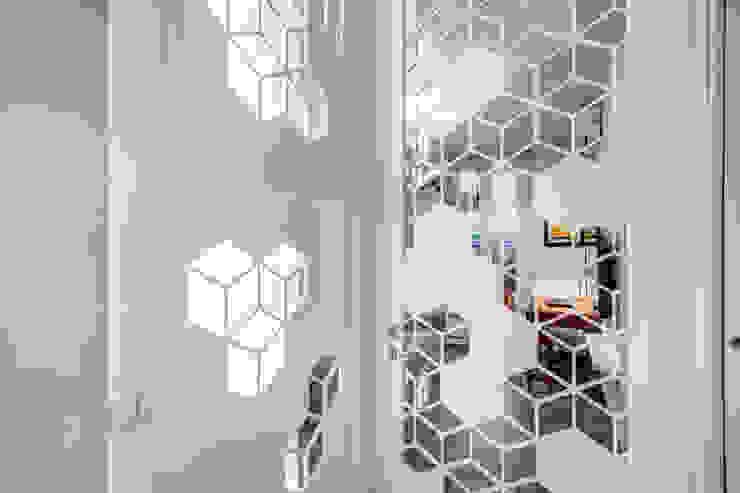 Modern Koridor, Hol & Merdivenler MOB ARCHITECTS Modern