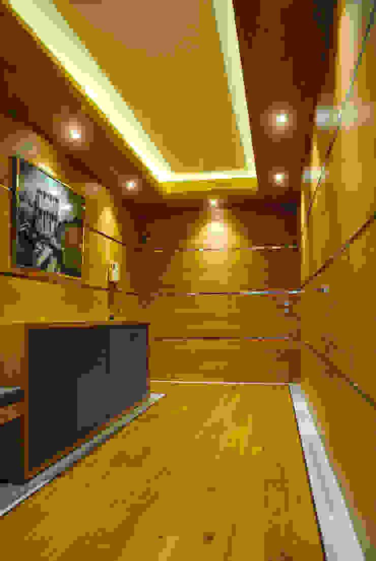 MANUEL TORRES DESIGN Eclectic style corridor, hallway & stairs Wood effect