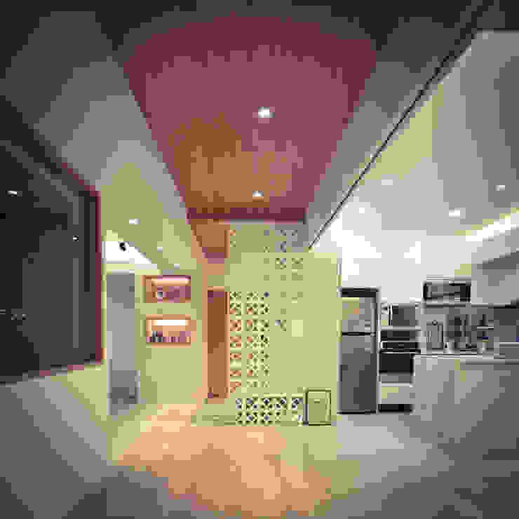 思樂冰的家 現代風玄關、走廊與階梯 根據 八寶空間美學| BABODESIGN 現代風