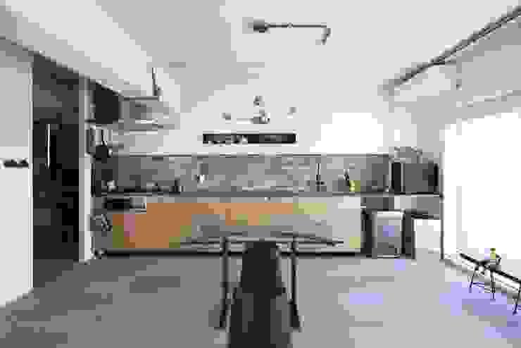 studio m+ by masato fujii Kitchen