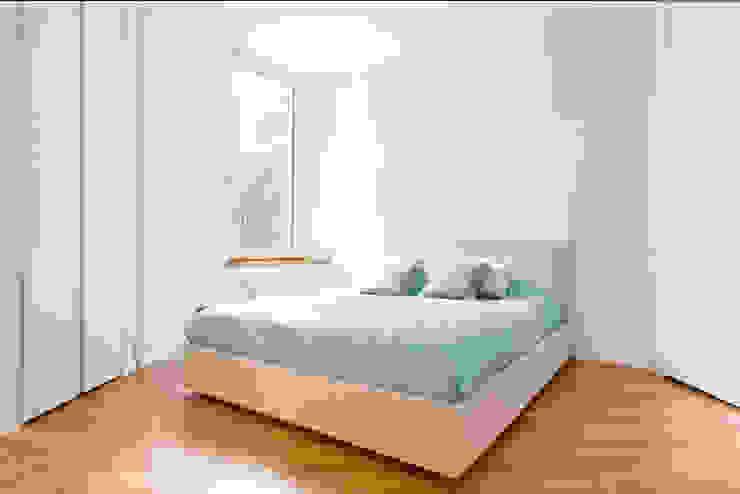 Camera da letot Camera da letto minimalista di LM PROGETTI Minimalista