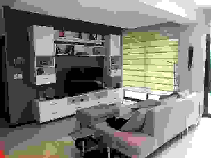 minimalist  by Arquitecto Rafael Balbi , Minimalist Wood Wood effect