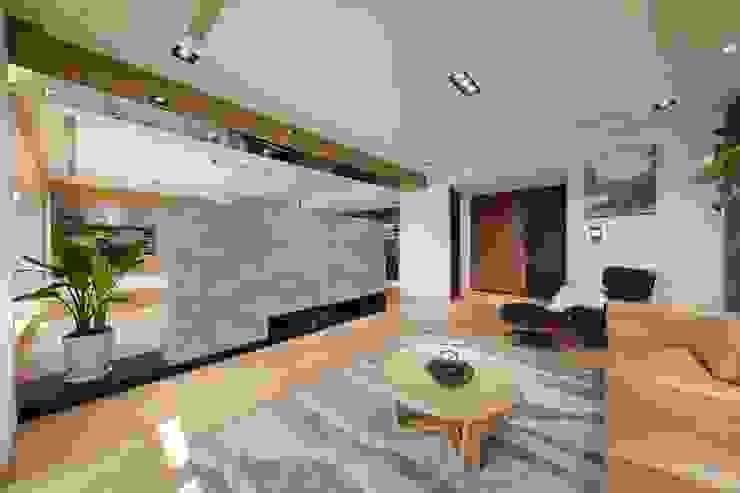 Salones asiáticos de 微自然室內裝修設計有限公司 Asiático
