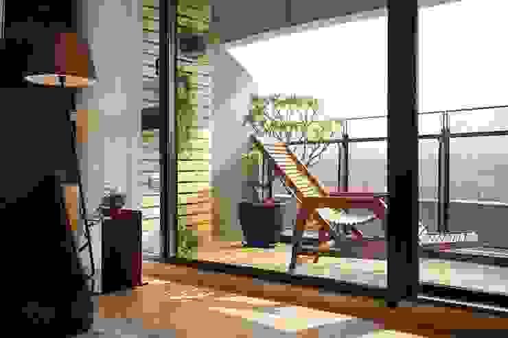 Balcones y terrazas asiáticos de 微自然室內裝修設計有限公司 Asiático