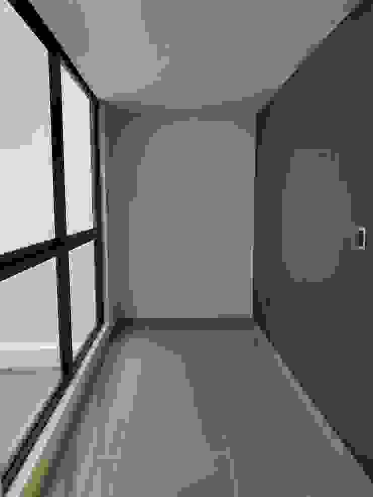Estudio, sala privada. Estudios y despachos de estilo moderno de Hausni Arquitectura Moderno