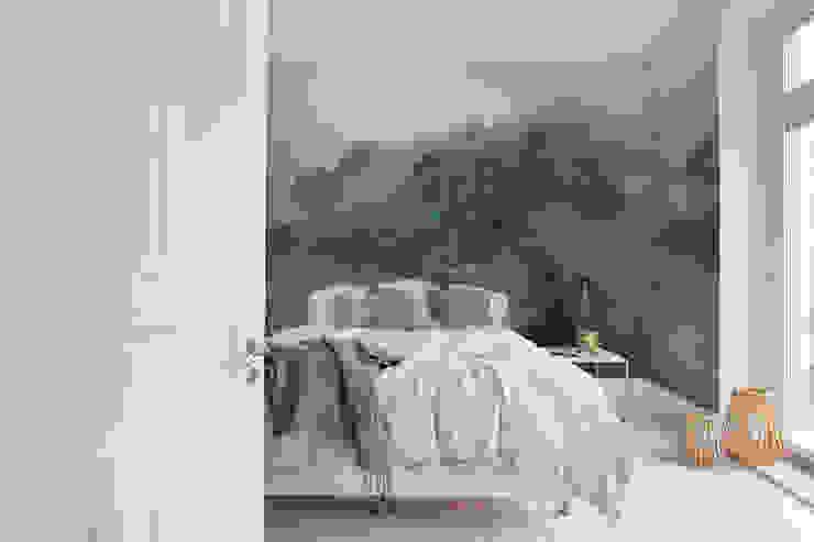 Rebel Walls Deutschland Tropical style bedroom Green