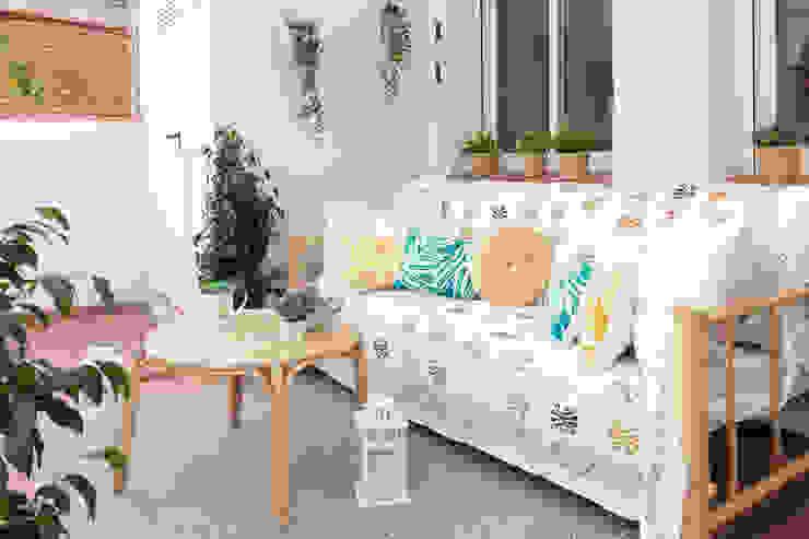 Decoración integral para uso particular Lala Decor HomeStaging & Reformas Integrales de pisos Balcones y terrazas de estilo escandinavo