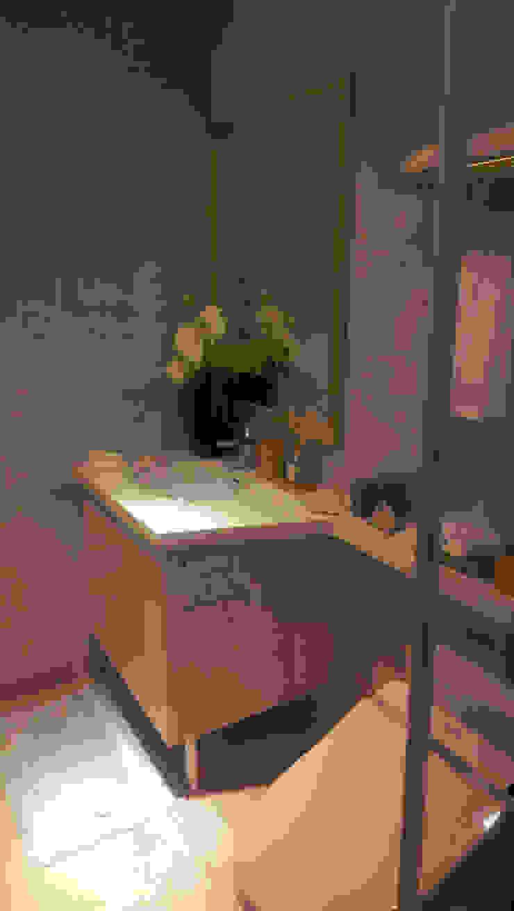 浴櫃 現代浴室設計點子、靈感&圖片 根據 微.櫥設計/We.Design Kitchen 現代風