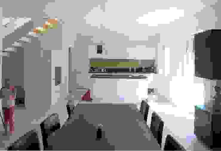 Küche mit Insel - Esstisch: modern  von archipur Architekten aus Wien,Modern Holz Holznachbildung