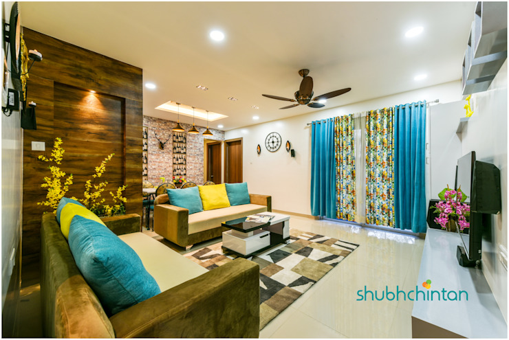living area : classic  by Shubhchintan Design possibilities,Classic Plywood