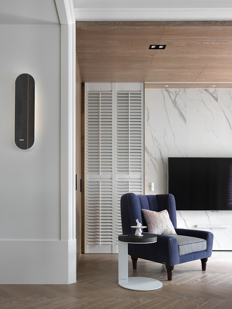 美式絢爛屋 现代客厅設計點子、靈感 & 圖片 根據 肯星室內設計 現代風