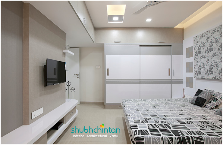 Master bedroom : modern  by Shubhchintan Design possibilities,Modern Plywood