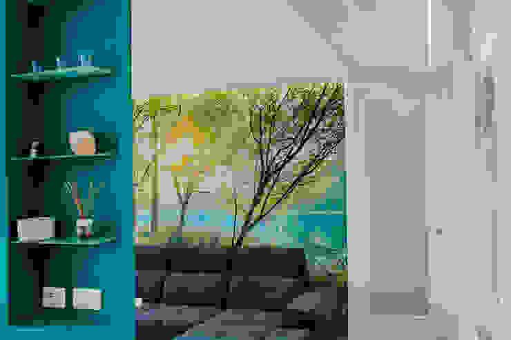 Salas de estar modernas por piùottosei architettura Moderno Concreto