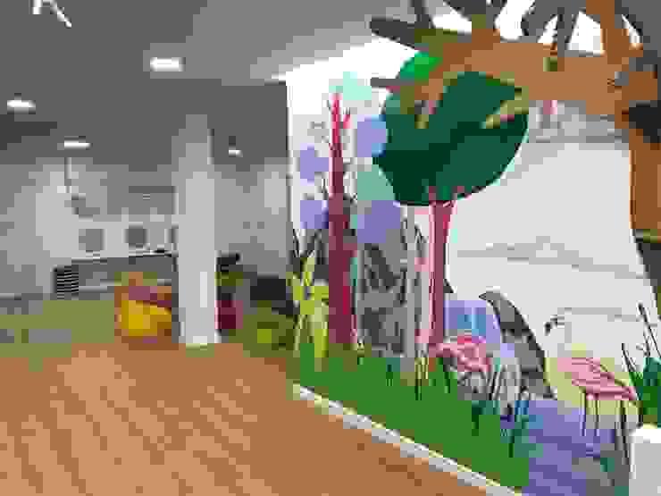 Mural pintado a mano de 7 metros Escuelas de estilo moderno de A interiorismo by Maria Andes Moderno Compuestos de madera y plástico