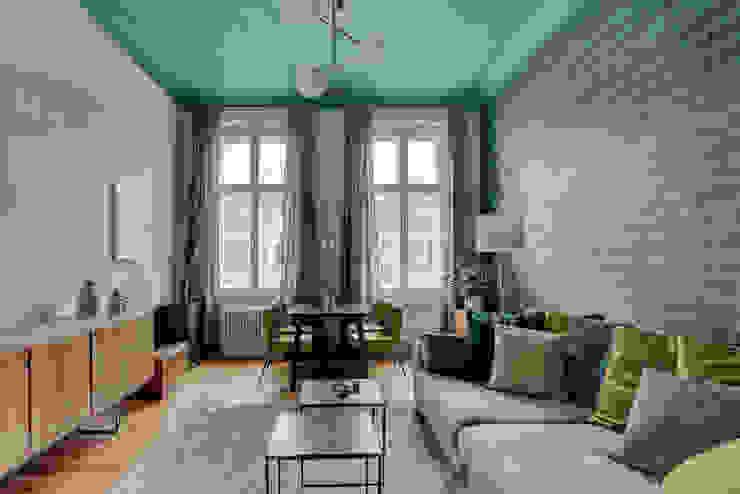 THE INNER HOUSE モダンデザインの リビング 緑