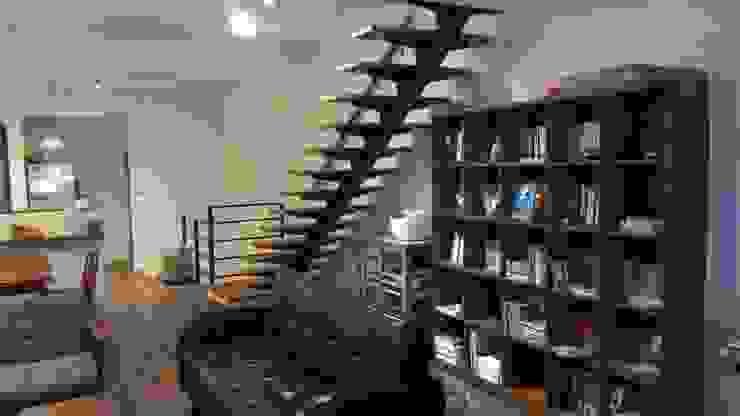 鐵梯 根據 沒創意工房有限公司