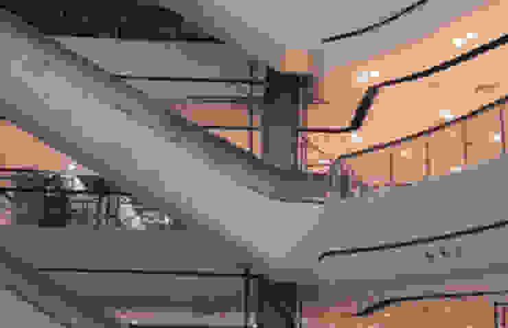 ปรับปรุงห้างสรรพสินค้า โดย บริษัท พายุพัฒน์ คอนสตรัคเตอร์ แอนด์ ดีไซน์ จำกัด คลาสสิค