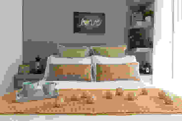 Decoración cama Lala Decor HomeStaging & Reformas Integrales de pisos DormitoriosTextiles Beige