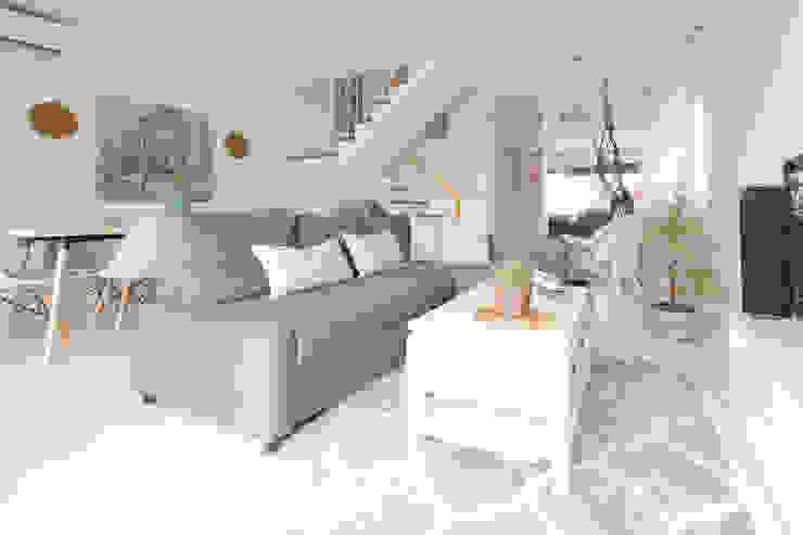 Salón Lala Decor HomeStaging & Reformas Integrales de pisos Salones de estilo escandinavo