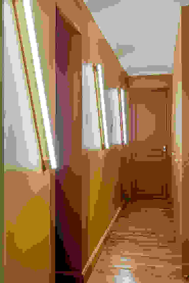 Couloir 4eme Mur-Intérieurs Couloir, entrée, escaliers modernes