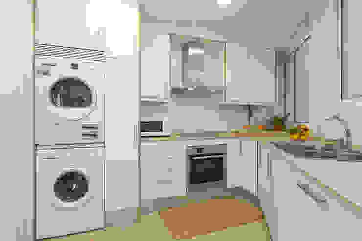 Cocina de Lala Decor HomeStaging & Reformas Integrales de pisos Moderno
