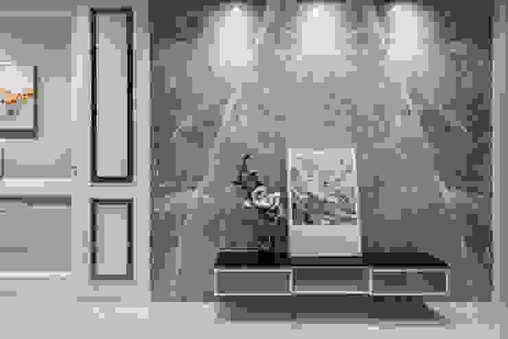 春池建設-金莎麗緻/花苑翠堤 现代客厅設計點子、靈感 & 圖片 根據 SING萬寶隆空間設計 現代風