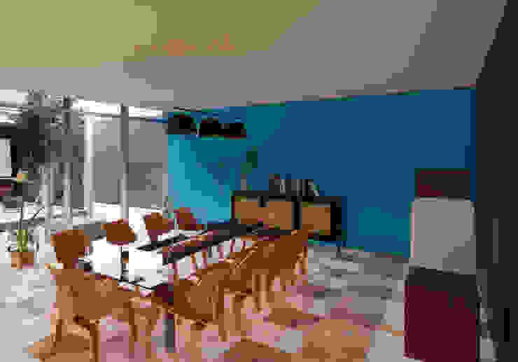 juanbarahona_19 Colonial style dining room Concrete Blue
