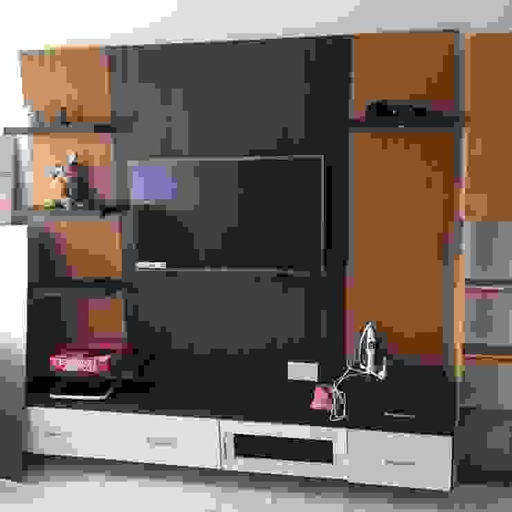 TV Unit Modern living room by DezinePro Modern