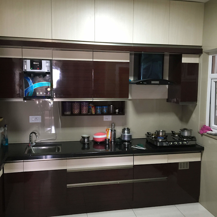 Overhead unit and Loft Modern kitchen by DezinePro Modern