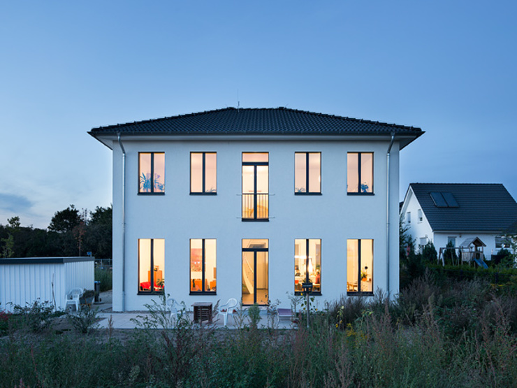 Haus Mahlsdorf von Müllers Büro Klassisch Kalkstein