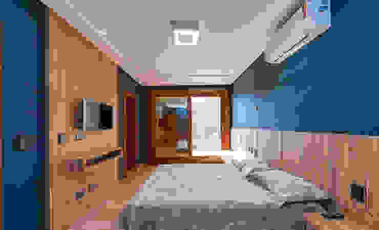 Interiores Casa de Praia Quartos modernos por MEI Arquitetura e Interiores Moderno Bambu Verde
