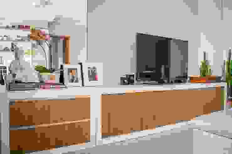 Modern living room by PROJETO EXPRESS Modern