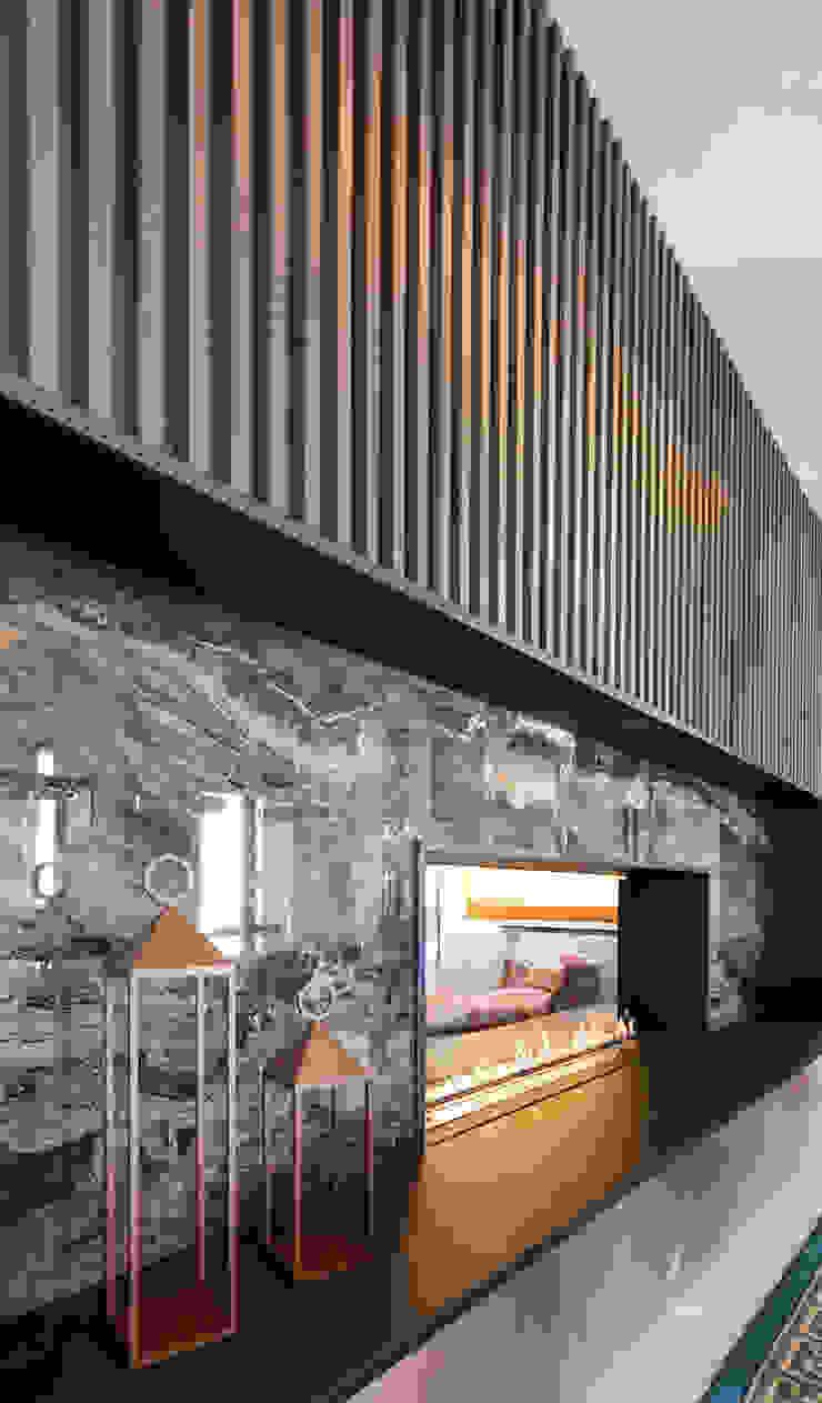CASA C&C Spogliatoio moderno di Andrea Orioli Moderno Ceramica