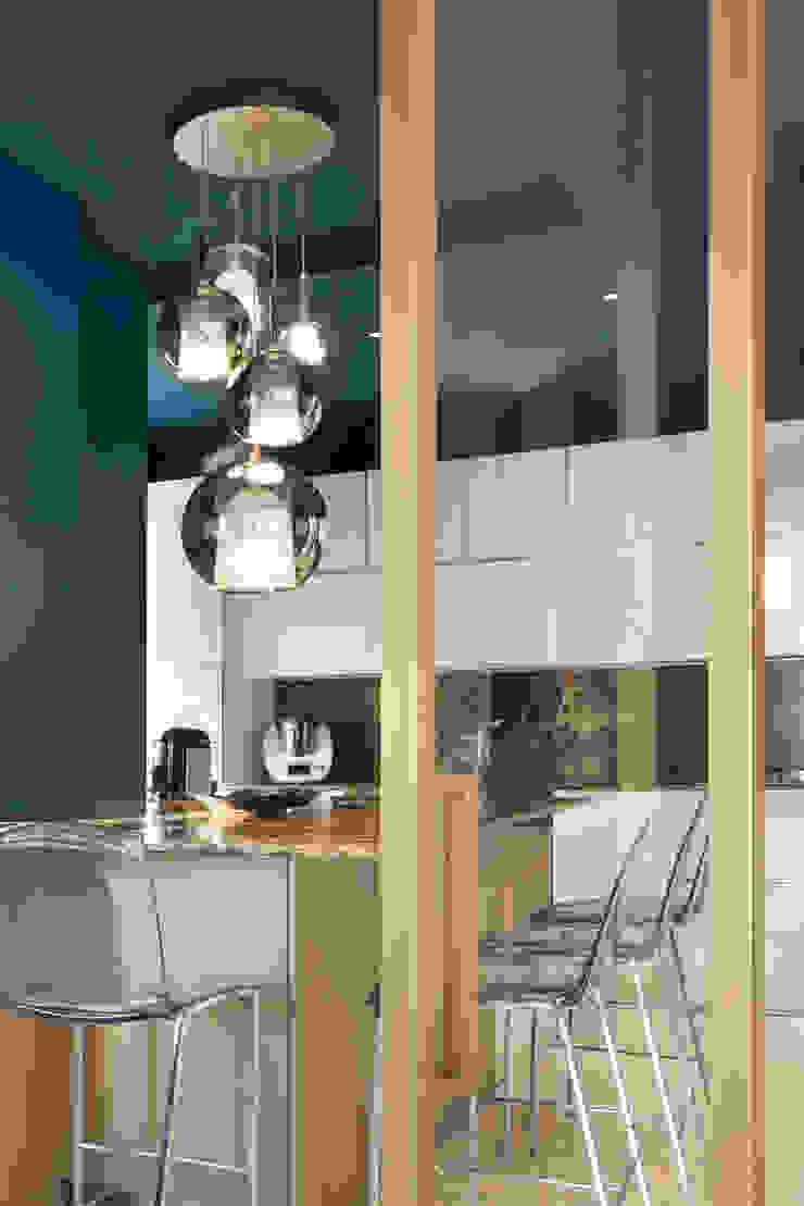 CASA C&C di Andrea Orioli Moderno Alluminio / Zinco