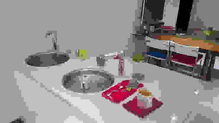 中島吧檯 現代廚房設計點子、靈感&圖片 根據 微.櫥設計/We.Design Kitchen 現代風