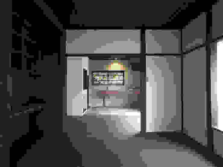 Modern Oturma Odası 早田雄次郎建築設計事務所/Yujiro Hayata Architect & Associates Modern