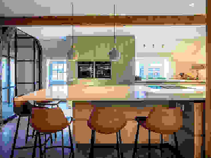 de ÈMCÉ interior architecture Moderno Madera Acabado en madera