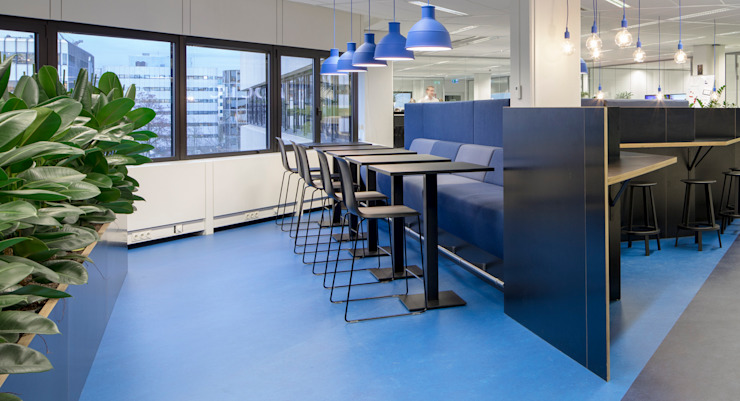 Modern offices & stores by ÈMCÉ interior architecture Modern Plywood